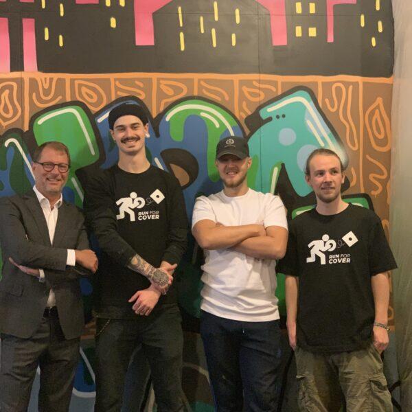 Natten til mandag: Graffitimalere overmaler ny-renoveret Hotel Svendborg