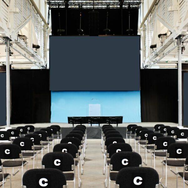 Succesfuld konference med Covid19 afstand afholdt i Øksnehallen